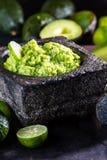 Латино-американские мексиканские гуакамоле и ингридиенты соуса авокадоа стоковое фото rf