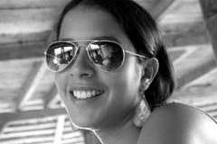 Латинская девушка жизнерадостная Стоковая Фотография