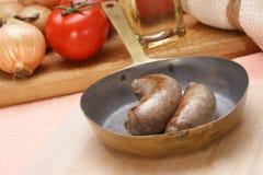 латунная домашняя сделанная сосиска лотка Стоковые Изображения RF
