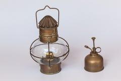 Латунный сервер светильника парафина стоковая фотография