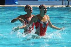 Лаура Auge и Margaux Chretien Франции состязаются во время круга дуэта синхронного плавания предварительного на 2016 Олимпиадах Стоковая Фотография RF