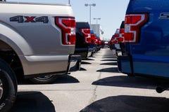 Лафайет - около апрель 2018: Местный автомобиль Форда и дилерские полномочия тележки Форд продает продукты под брендами Линкольна Стоковые Фото