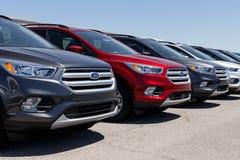 Лафайет - около апрель 2018: Местный автомобиль Форда и дилерские полномочия тележки Форд продает продукты под брендами Линкольна Стоковые Фотографии RF