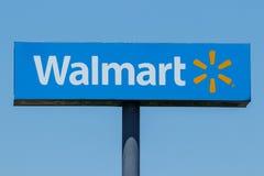 Лафайет - около июль 2018: Положение розницы Walmart Walmart поддерживает свое присутсвие XI интернета и ecommerce Стоковое Фото