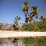 лачуга пляжа стоковое изображение rf