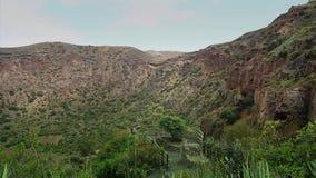 Ла Кальдера de Bandama в вулканическом острове Gran Canaria полном HD видеоматериал