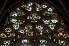 Ла dans Vitraux de lla Basilique Свят-Nazaire цитирует de Каркассон - од & x28; France& x29; стоковые изображения rf