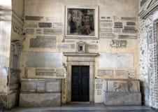 Левый конец narthex базилики Santa Maria в Trastevere стоковое изображение rf