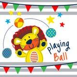 Лев играет шарж шарика смешной животный Стоковое Изображение RF