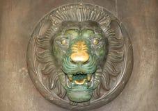 Лев на двери Стоковое Изображение RF