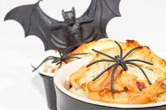 Легкая еда хеллоуина Простые торты булочки украшенные с страшным sp стоковые фото