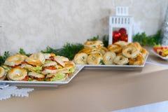 Легкая закуска и плодоовощ для партии для партии стоковые фото