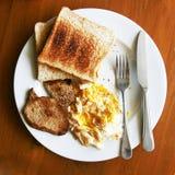 Легкий американский завтрак на деревянной таблице стоковая фотография rf
