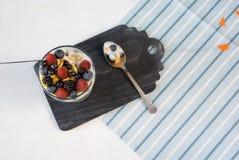 Легкий десерт лета для завтрака или закуски Стоковые Изображения