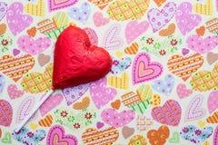 Леденец на палочке шоколада в форме сердц Стоковое Изображение RF