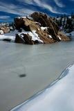 ледистая гора озера Стоковое Изображение