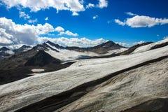 Ледник в горах Кавказа России Стоковые Фото