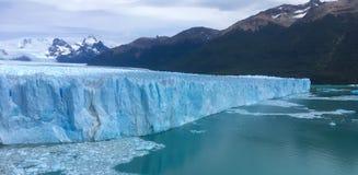 Ледник Perito Moreno в Патагонии стоковая фотография
