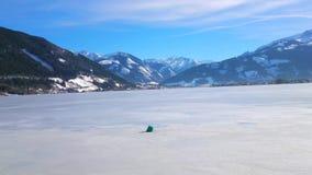Ледяная поверхность Zeller видит озеро, Zell до полудня видит, Австрия видеоматериал