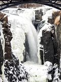 Лед и вода на падениях Paterson, Нью-Джерси Стоковое фото RF