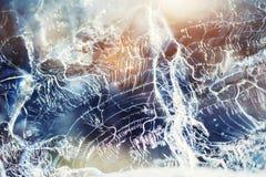 Лед на замороженном озере Изображение макроса, малая глубина поля стоковая фотография rf