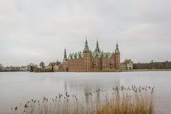 Лед на озере замка Frederiksborg стоковое изображение