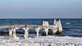Лед на старой купая моле Стоковая Фотография RF