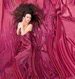 лежать волос девушки длинний Стоковое фото RF