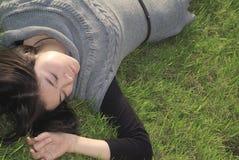 лежать девушки Стоковая Фотография RF