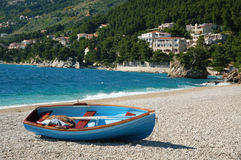 лежать Хорватии шлюпки пляжа Стоковые Фотографии RF