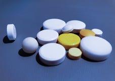 Лекарство конца-вверх Крупный план таблеток медицинские лекарства стоковое фото