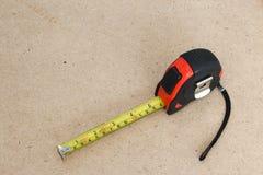 Лента измерения на древесине Стоковые Фото