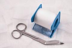 лента ножниц марли медицинская Стоковые Фотографии RF
