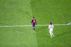 Лео Messi FC Barcelona и Дэвида Luiz PSG в действии стоковая фотография rf