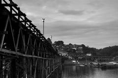 Лесистый мост в Sangkhlaburi Стоковое Изображение RF