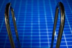 Лестница бассейна Стоковые Фото