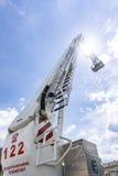 Лестница воздуха огня перевозя на грузовиках на выставке firefighting Стоковое фото RF