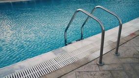 Лестница к бассейну сток-видео