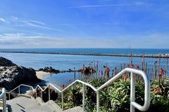 Лестница на пляже стоковая фотография