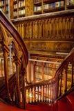 Лестница на bookstore Lello и Irmao в Порту Стоковые Фото