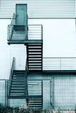 Лестница пожарной лестницы в современном здании Стоковое Изображение