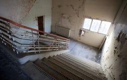 лестница случая старая Стоковые Фотографии RF