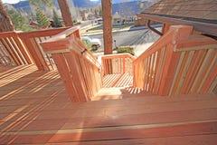 лестница redwood палубы стоковое изображение rf