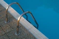 Лестницы бассейна Стоковые Изображения RF