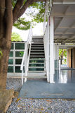 Лестницы белого металла Стоковое Фото