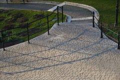 Лестницы в парке в раннем утре Стоковое фото RF