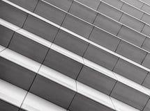 Лестницы гранита в черно-белом в городе Стоковые Фото