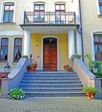 лестницы дверей старые Стоковое фото RF