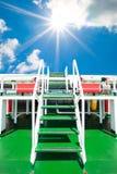 Лестницы к успеху, пути освободить каждую проблему, внешний шаг в день Стоковое фото RF