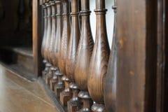 Лестницы перил закрывают вверх сфокусируйте мягко стоковые фотографии rf